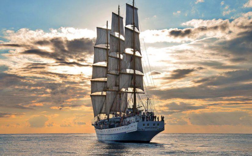 В порту Новороссийск заправили экологическим топливом парусник «Херсонес»