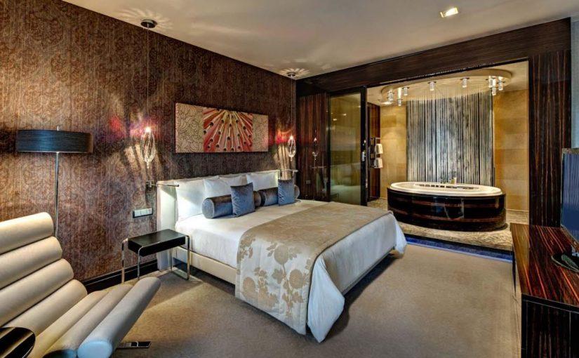 Среди новороссийцев ищут директора отеля Hilton Garden Inn