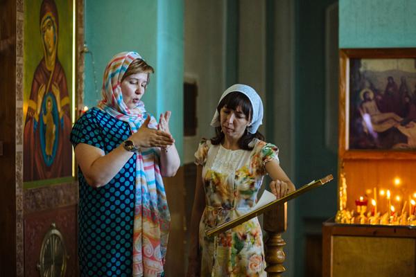 В новороссийском Свято-Троицком храме совершили Божественную литургию с сурдопереводом