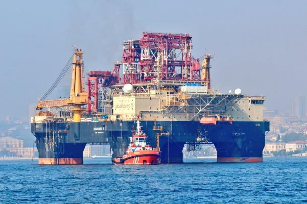 Буровая платформа, которую установят под Новороссийском, уже в Черном море