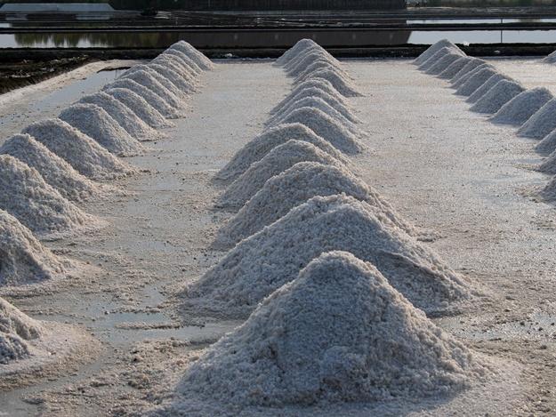Новороссийску не хватает 200 тонн соли