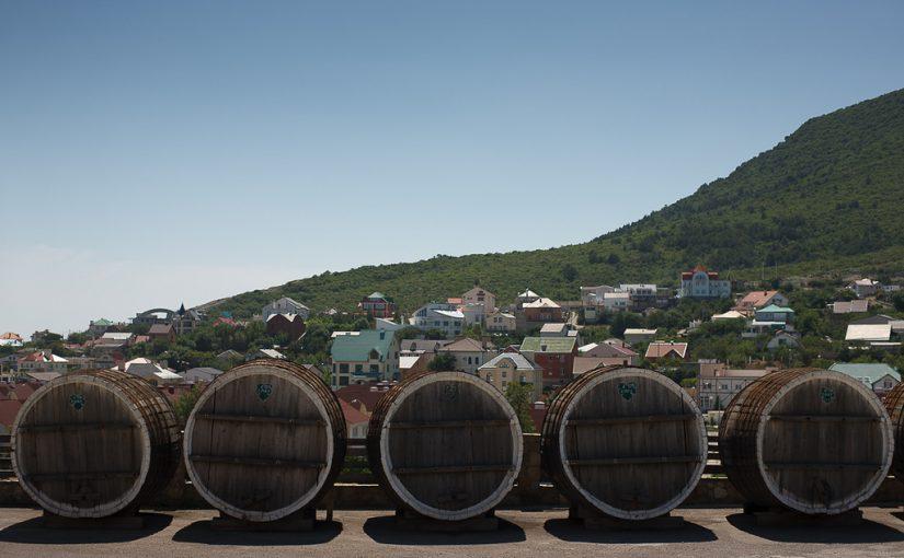 Фирма претендента на пост главы Новороссийска купила вина на 2 миллиона рублей