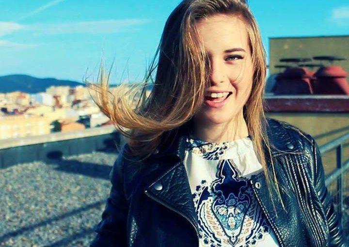 Девушка из Новороссийска попрошайничала в Барселоне