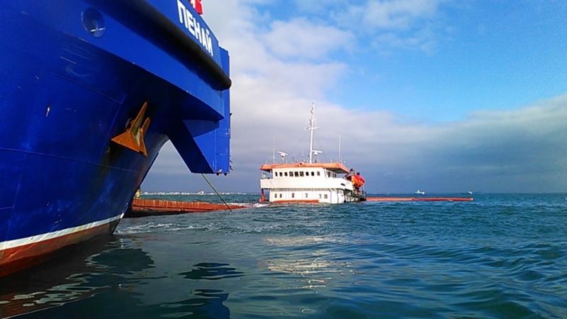 Новороссийские водолазы нашли в турецком судне три пробоины