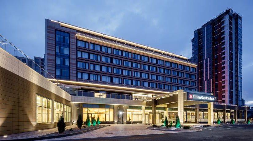 В новороссийском отеле Hilton Garden от кухрабочих ждут желания развиваться
