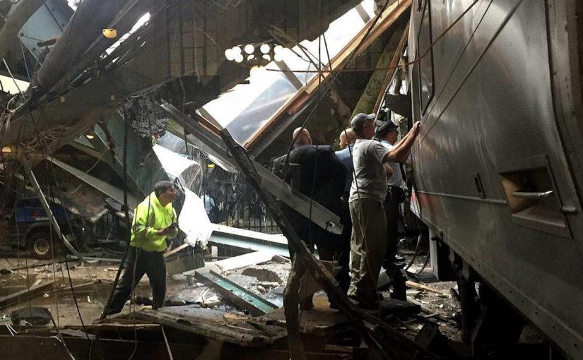 О крушении поезда с транспортным начальством в Новороссийске сложили стихи