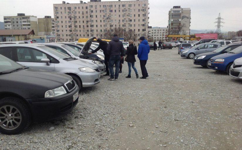 На новороссийском авторынке мартовские лидеры продаж стоят до 350 тысяч рублей