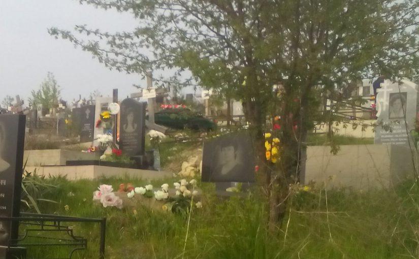 В Новороссийске оштрафовали троих за поминки на кладбище