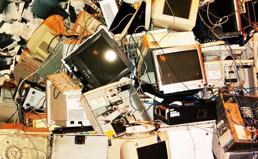 Новороссийцы выбросили 6 телевизоров и 26 килограммов лекарств
