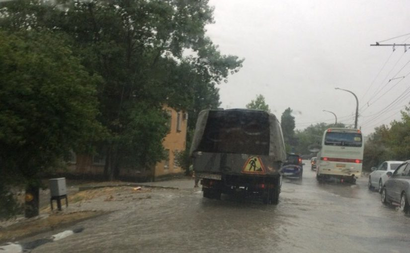 Мэр Новороссийска рассказал, что ливневая канализация в целом справилась с нагрузкой