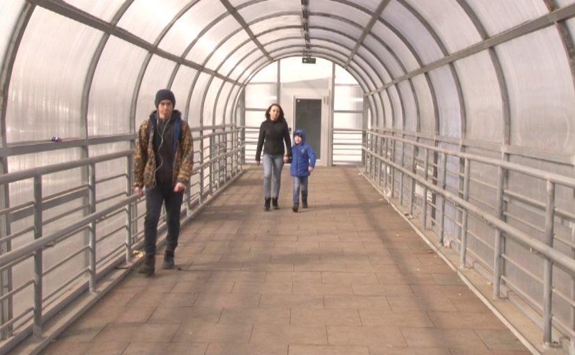 Власти Новороссийска задумались о строительстве нормального лифта при надземном переходе у Западного торгового центра