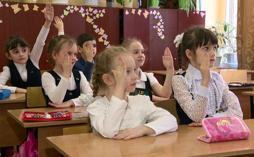 Владимир Синяговский предлагает вернуть в школы воспитательную работу