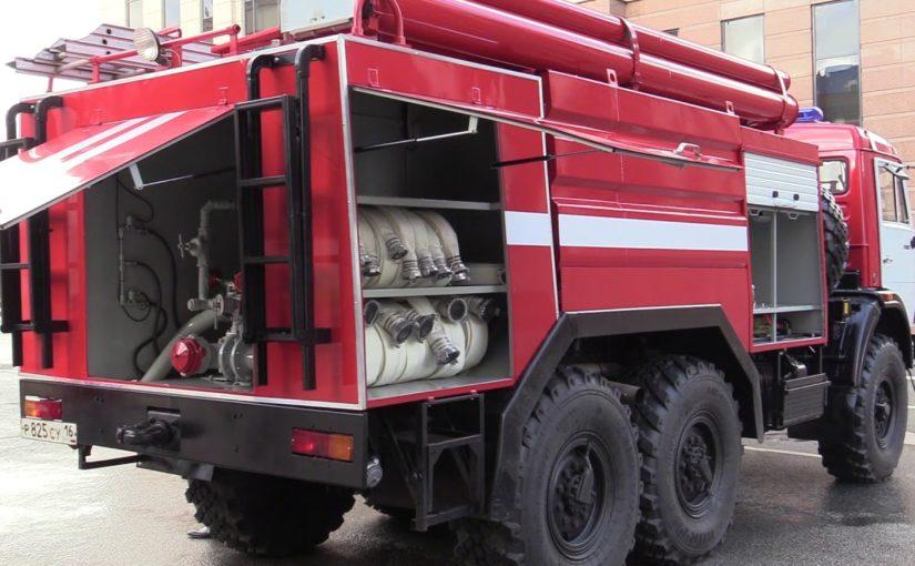Зачем пожарные Новороссийска нарисовали кукиш на машинах