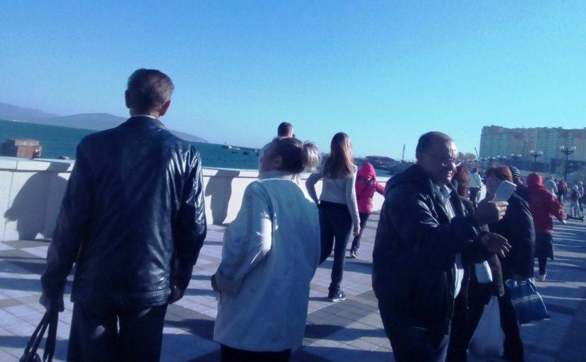 Из истории новой набережной в Новороссийске: Синяговский «убивал», чиновницы плакали, о плитке только мечтали