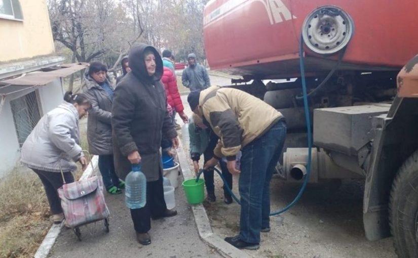 В администрации Новороссийска чувствуют негативный фон, подачу воды наладят к 18 часам