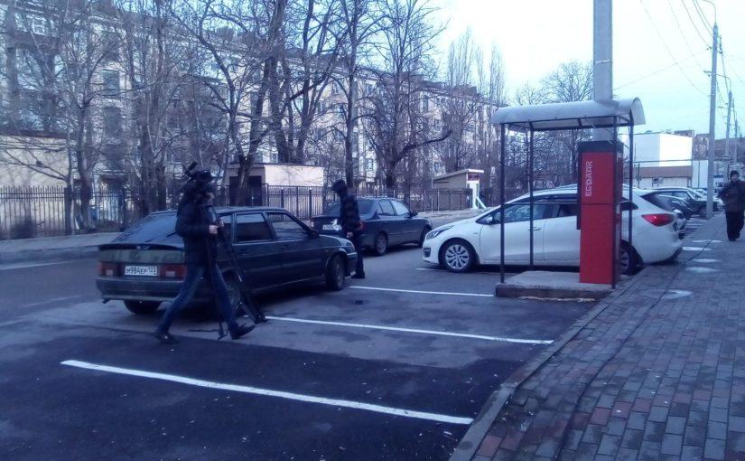 В Новороссийске возле центрального рынка заработала платная парковка