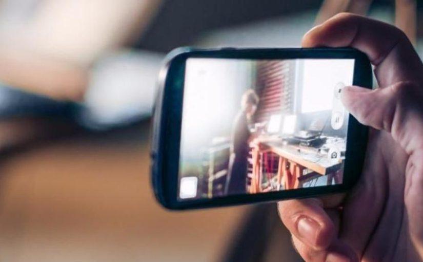 Девятиклассники из Новороссийска создали «серебряное» кино на смартфоне