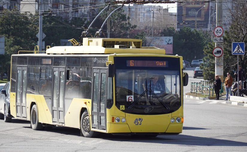 Нужно ли передавать троллейбусы Новороссийска в частные руки?
