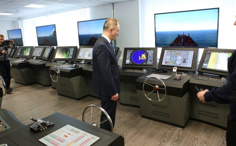 В новых корпусах морского университета в Новороссийске замминистра транспорта увидел «умный дом»