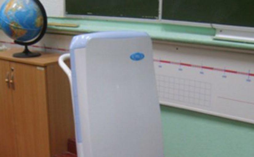В школах Новороссийска с родителей собирают деньги на обеззараживающие лампы. Но это неправда?