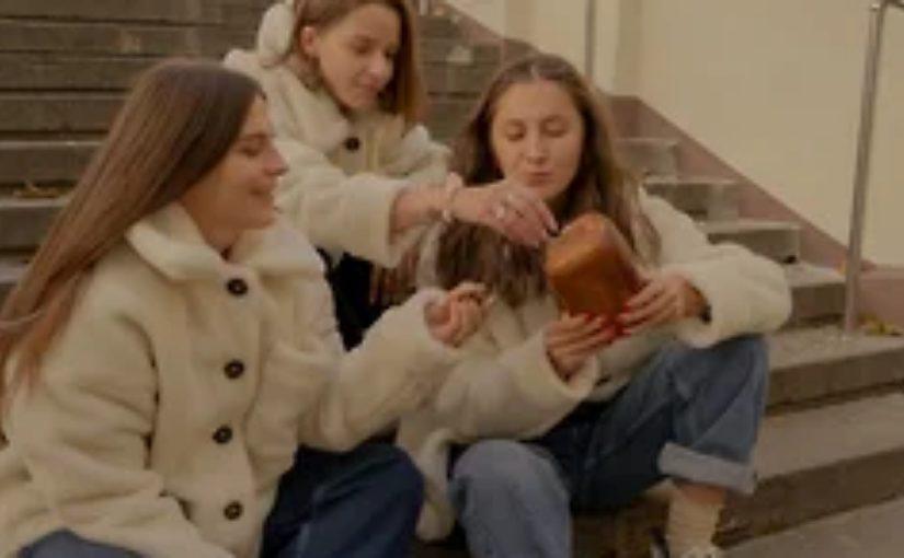В моду войдет меховая рубашка «Абрау» и свитер «Дюрсо»