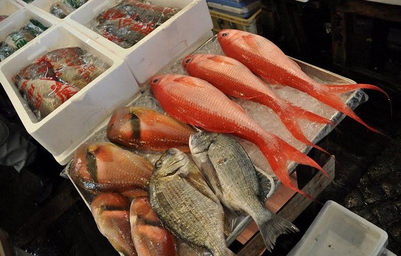 Морская рыба на новороссийском рынке как всегда дороже мяса