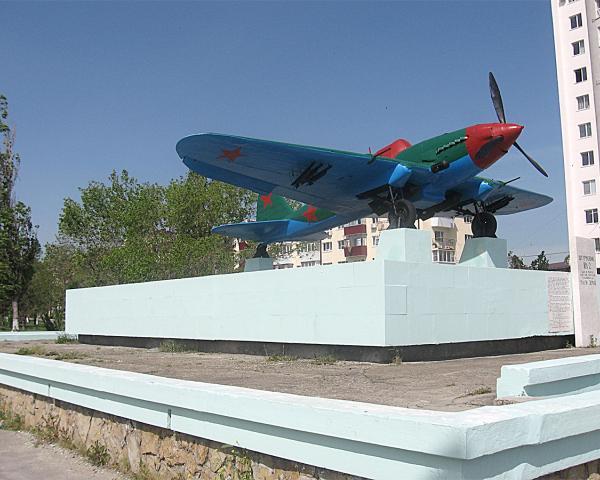 В Новороссийске начался демонтаж  памятника «Самолета – штурмовика Ил-2»