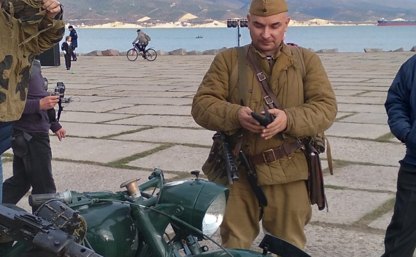 Реконструкторы приехали в Новороссийск на трофейном мотоцикле времен Великой Отечественной (видео)