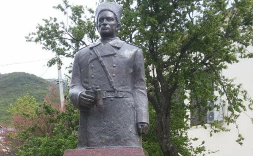 В Геленджике установили памятник генерал-полковнику Леселидзе, одному из освободителей Новороссийска