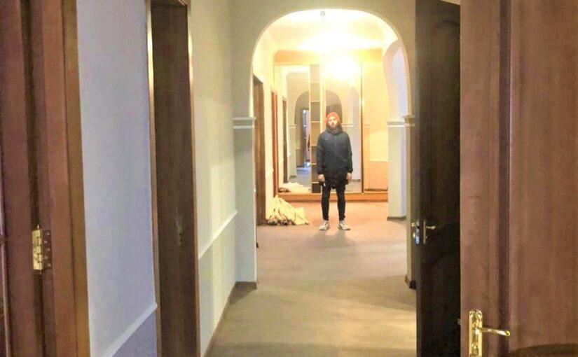 В Новороссийске особым подросткам подарили тренировочную квартиру