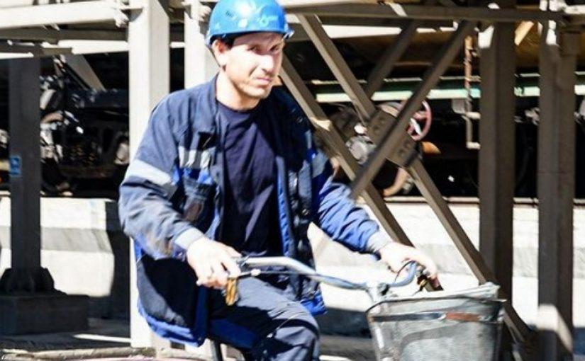 Чтобы уменьшить в Новороссийске запахи нефтпродуктов, работники мазутного терминала ездят на велосипедах?