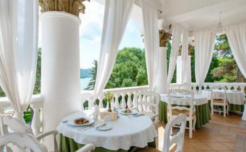 В Абрау-Дюрсо построят гостиницу для богатых, заводскую гостиницу и глемпинг
